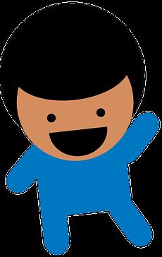 lachender Junge in blauer Kleidung